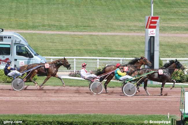 Résultats du 26 juillet à Enghien dans Partants, Prono, Résultats et vidéos Uraba-du-Pont-26-juillet-2012